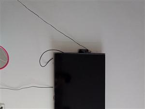 43长虹电视九成新:1800 奥克斯1.5匹空调 :1500 1.8米床带垫子900 1.5米...