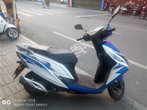 五羊本田幻鲨踏板摩托车,125  电喷的一公里1毛8     今年五月份买的    做过三次保养  ...
