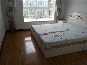 五岳广场2室2厅1卫14000元/年