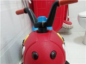 儿童电动摩托车,买来没用几回,宝宝就长大了,现闲置没用,转让给其他小朋友玩!