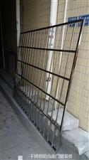 专业订做安装不锈钢护栏,防盗纱窗,换门,换玻璃!质量保证,价格最低!
