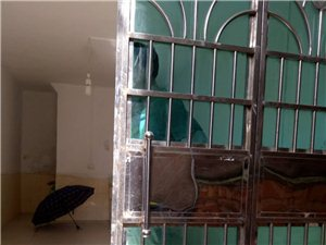鸡市巷2室1厅1卫12800元/月