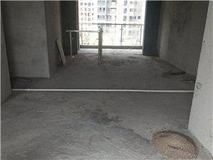滨江大道西浮桥旁江湾名都园林小区三房二厅毛胚出售