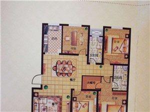 一楼带院 金岭壹品4室2厅2卫145万元