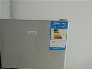 冰箱一台,京东价500,就通了下电,里面没放过任何东西,现便宜处理,300拿走。已卖!