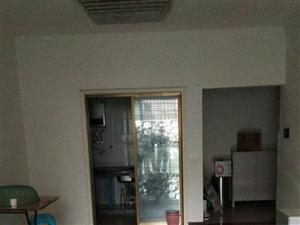 龙腾御景3室2厅1卫11000元/月