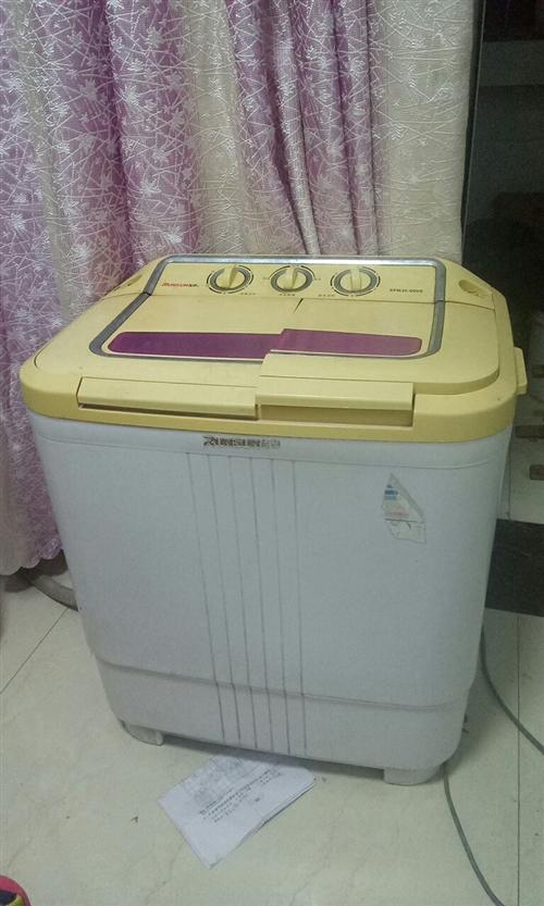 双缸半自动洗衣机一台,可正常使用,因为家里换了全自动的,现低价转让。