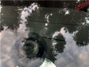 專業修補汽車擋風玻璃各類型傷口(星狀,牛眼型,月牙型,復合型+放射狀,長條裂痕及罕見傷口)多年修復,...