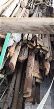 旧木材,可加工家具,可做柴火。
