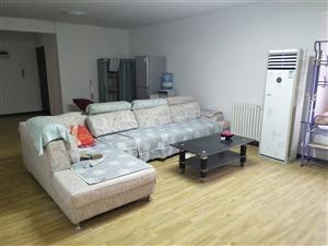 芷阳新苑西区3室1厅1卫350元/月
