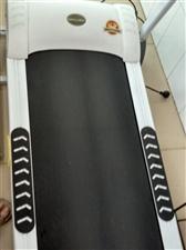 威宇电动跑步机,2016年购置,九成新,很少使用,闲置。低价出售。地址:枣城家园,电话1585348...