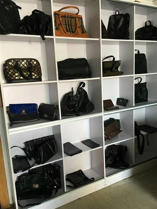 本店經營各種品牌包包,男女品牌皮鞋,品牌運動鞋