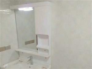 中山商城3室2厅2卫1400元/月