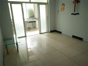 县府天桥公交车站旁2室1厅1卫32万元