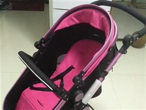 九成新婴儿车床两用式,原价863元几乎没有用过。可以折叠方便携带……有意者请联系1899379511...