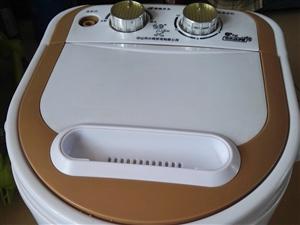 小鸭4.5公斤单桶洗衣机,本来是买来给宝宝洗衣服用的,买来用了一次,九九成新,家里下水口附近有个大洗...