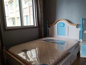中城国际豪装3室2厅1卫96万元