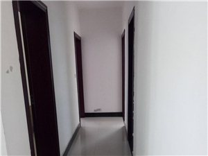佳居苑2期4室1厅2卫1500元/月