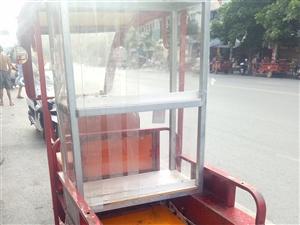 二手三轮车出售  一个月前买的 就开了几次 当时买来卖冰粉那些人 现在不做了  转让出去 有需要的可...