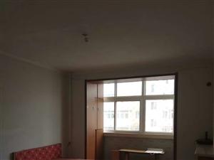 新兴2室1厅2500元/月