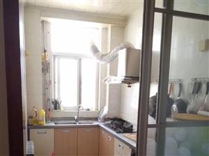 关头祥和居3楼,108平3室,车库,双证齐全。