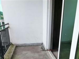 路发枫林绿洲2室2厅1卫33.8万元