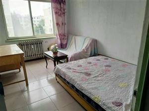 东外小区2室1厅1卫2200元/月