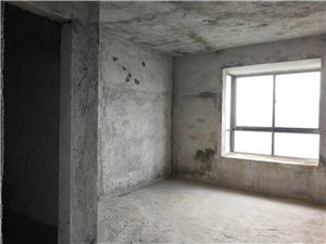 陆邦荣华园3室2厅2卫165万元