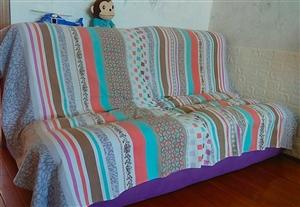 软体布艺沙发  超级舒适完好无损 1.8米长0.9宽米坐高0.4米  ①③⑨⑨⑧③零⑤⑧⑧⑨软体布艺...