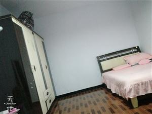 大十字购物广场2室1厅1卫700元/月