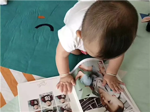 照片书,书本大小的照片书,你家有个萌萌的宝贝吗?你想留住宝贝的美好一瞬间吗?那就把照片做成书吧,等你...