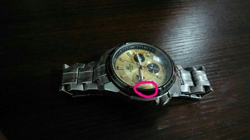 卡西欧手表,手表是15年拖朋友从香港带回来的,带了三年,非常的质量。因为我家熊孩子从家里楼梯上给摔了...