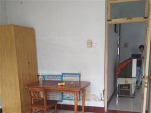 金国瑞附近,三室一层独院,集中供暖,