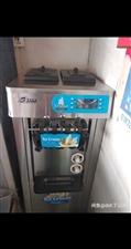 9成新冰淇淋机,淘宝网有卖。3700当时买的,用了两月,城里修路没有生意不干了。现在1600低价急售...