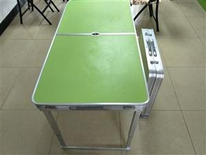 出售折叠桌,折叠椅。折叠桌6张,240元/张,全铝合金框架,还可以下降一半高度,桌面站一个大人没有问...