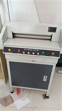 胶装机器,电动切纸机8成新都好用,胶装机买来3500-切纸机买来是2450本人有其他生意广告店顾不过...