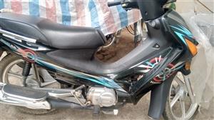 豪爵摩托车出售,自己骑的6月份刚刚检,可以看车说价格微信说1056692640