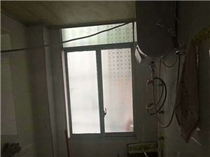 金秋花园3室1厅1卫9800元/月