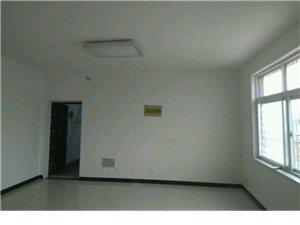 响河商街3室2厅2卫1000元/月