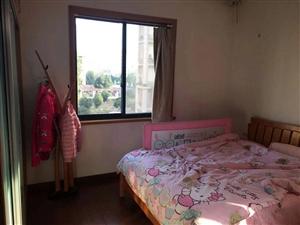 御龙家天下3室2厅2卫2000元/月