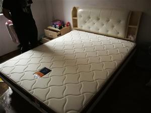 气压升降床,宏益床垫,1.5*1.9m,9成新,可小刀,有意私聊