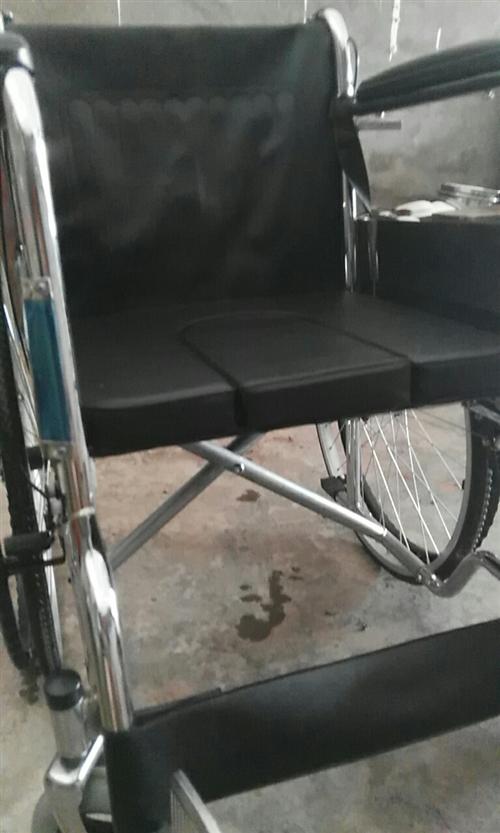 家中有个轮椅八成新,适合腿伤或老年人用,如需要请与我联系,随时可以看地址凉水井附近