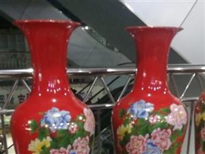 店铺转行,从景德镇进的一批花瓶、镇宅葫芦、鱼缸、手绘工艺花瓶、瓷板画等瓷器,现超低价转让,打包者还有...