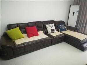 3.8m全真皮沙发 3.8m长,原价18000,无丢皮破皮,质量没任何水分,在红旗,欢迎实地验货。...
