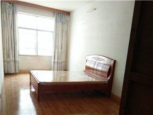 城中心3室2厅2卫1600元/月