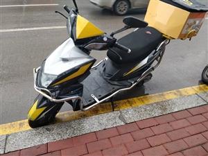 两个月电动车,澳门太阳城网站本地随时看车。加一组72V电瓶2500元。
