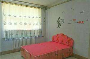 渤海公寓3室1厅1卫1000元/月