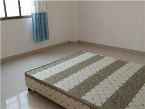 水东套房3室2厅1卫800元/月