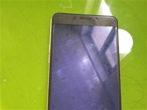 老婆用的手机,因为换oppo r15手机闲置。手机角有磕碰。外屏角上有点碎。钢化膜也有一道裂痕,完全...