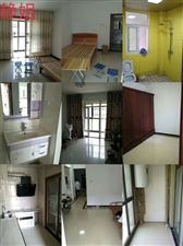 成大・翡翠湾3室2厅1卫1000元/月可短租。